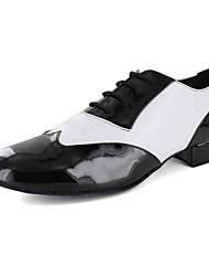 Men's Dance Shoes Leatherette Leatherette Modern Flats Flat Heel Practice Black / White Customizable