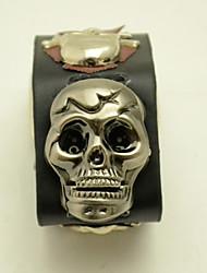 Unisex Fashion Watch Cool Skull Stylish Clamshell Simple Innovation Belt Quartz Watch(Assorted Colors)
