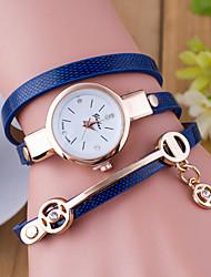 baratos -Mulheres Bracele Relógio Quartzo Venda imperdível Couro Banda Analógico Amuleto Fashion Preta / Branco / Azul - Vermelho Verde Azul Um ano Ciclo de Vida da Bateria / Tianqiu 377