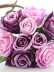 abordables -Fleurs de mariage Rond Roses Bouquets Mariage Bleu / Rose / Vert / Blanc / Pourpre / Champagne / Multicolore Satin / Soie Env.21cm