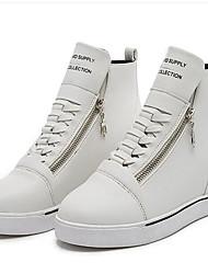 preiswerte -Damen Schuhe Kunstleder Frühling Herbst Sneakers Walking Keilabsatz Reißverschluss Schnürsenkel für Normal Draussen Weiß Schwarz Rot