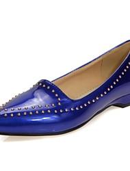 preiswerte -Damen Schuhe Lackleder Sommer Herbst Komfort Flache Schuhe Keilabsatz Niete für Normal Büro & Karriere Beige Rot Blau Rosa