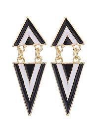 Европейский стиль моды женщин черный белый геометрический треугольник серьги панк ювелирные изделия мотаться серьги для женщин