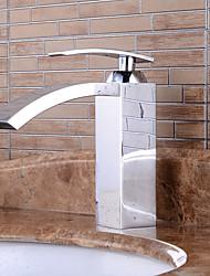 Bathroom Sink Faucet in Modern Style Single Handle Waterfall Bathroom Sink Faucet