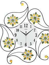 Modern/Contemporary Houses Wall Clock,Others Glass / Iron / Metal / Polyresin 62*62CM Indoor Clock