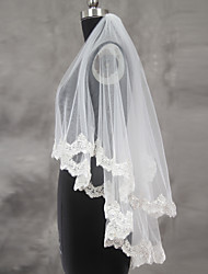 cheap -Two-tier Lace Applique Edge Scalloped Edge Wedding Veil Blusher Veils Fingertip Veils With Applique Sequin Ruched Ruffles Lace Tulle