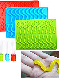 20 Cavity Silicone Gummy Worm Mold with Droppers Halloween Gummi Candy Gelatin Maker Fishing Lure Random Color