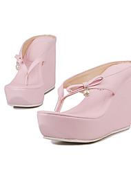 preiswerte -Damen Schuhe PU Sommer Club-Schuhe Slippers & Flip-Flops Walking Keilabsatz / Creepers Offene Spitze Weiß / Schwarz / Rosa / Hochzeit