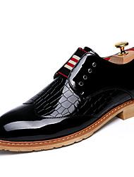 baratos -Homens sapatos Courino Primavera Outono Curta/Ankle Conforto Oxfords Caminhada para Casamento Casual Festas & Noite Branco Preto Azul