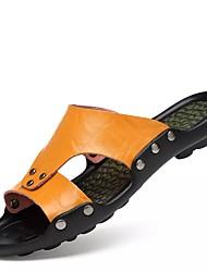 preiswerte -Herrn Schuhe Leder Frühling Sommer Herbst Komfort Slippers & Flip-Flops Wasser-Schuhe für Normal Draussen Kleid Weiß Schwarz Hellbraun
