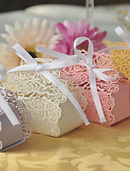 100pcs Rose Flower Laser Cut Hollow Carriage Favors Box Gifts Candy Boxes With Ribbon Bridal Shower Wedding Event Party Supplies