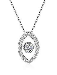 abordables -Femme Forme Géométrique Forme Cœur Pendentif de collier Zircon cubique Plaqué argent Pendentif de collier Anniversaire Cadeau Valentin