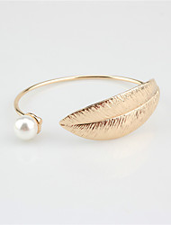 Women's Cuff Bracelet Fashion Imitation Pearl Alloy Wings / Feather Jewelry For Wedding Party Special Occasion Gift 1 pcs