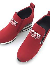 preiswerte -Damen Loafers & Slip-Ons Komfort Stoff Frühling Herbst Normal Walking Komfort Reißverschluss Flacher Absatz Schwarz Rot 5 - 7 cm