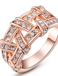 Women's Band Rings Crystal Basic Love Sexy Fashion Personalized Cute Style Luxury Classic Elegant Crystal Alloy Round Geometric Jewelry