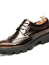 Masculino Sapatos De Casamento Solados com Luzes Sapatos formais Couro Envernizado Verão Outono Festas & Noite CadarçoPreto Preto e