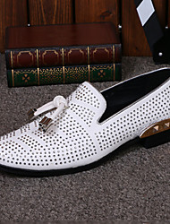 Masculino sapatos Pele Primavera Outono Conforto Inovador Mocassins e Slip-Ons Caminhada Pedrarias Para Casamento Casual Festas & Noite