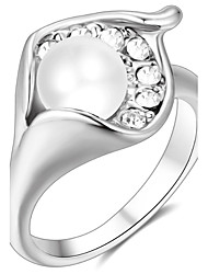 Women's Band Rings Crystal Basic Love Sexy Fashion Personalized Cute Style Luxury Classic Elegant Crystal Alloy Flower Jewelry For Party