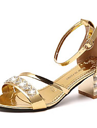 preiswerte -Damen Schuhe PU Sommer Komfort Sandalen Walking Blockabsatz Runde Zehe Strass für Gold / Schwarz