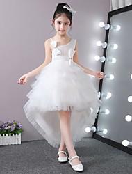 Vestito dalla ragazza di fiore asimmetrico dell'abito di sfera - una spalla sleeveless del tulle del bastone-raso con bordare