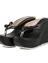 baratos -Mulheres Sapatos Couro Ecológico Verão / Outono Conforto / Inovador / Chanel Sandálias Salto Plataforma Ponteira Laço Branco / Preto /