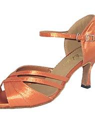preiswerte -Damen Schuhe für den lateinamerikanischen Tanz Satin Sandalen Innen Maßgefertigter Absatz Tanzschuhe Weiß / Schwarz / Mandelfarben