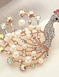 cheap -Women's Adorable Synthetic Diamond / Imitation Pearl Imitation Pearl Scarf Buckle / Brooches - Personalized Animal Gold Brooch For Gift /