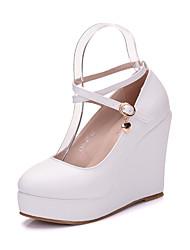 preiswerte -Damen Schuhe PU Frühling Herbst Komfort Neuheit High Heels Runde Zehe Kristall Perle Applikationen für Hochzeit Party & Festivität Weiß