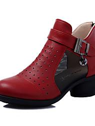 baratos -Mulheres Botas de Dança Couro / Pele Napa Botas / Têni Salto Baixo Sapatos de Dança Branco / Preto / Vermelho
