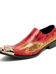 preiswerte -Herren Schuhe Echtes Leder Winter Herbst Neuheit formale Schuhe Outdoor Niete Schnalle für Hochzeit Party & Festivität Rot
