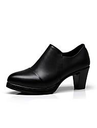 preiswerte -Damen Schuhe Künstliche Mikrofaser Polyurethan Frühling Herbst Pumps Stiefel Blockabsatz Spitze Zehe für Normal Büro & Karriere Schwarz