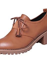 baratos -Mulheres Sapatos Borracha Inverno Conforto Oxfords Ponta Redonda para Ao ar livre Preto / Castanho Claro