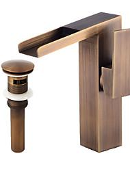 abordables -Décoration artistique/Rétro Set de centre Jet pluie Soupape céramique Mitigeur un trou Cuivre antique , Robinet lavabo