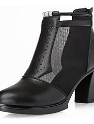Feminino Sapatos Pele Primavera Outono Conforto Botas Salto Robusto Botas Curtas / Ankle para Casual Preto Cinzento