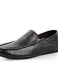 baratos -Homens Sapatos de Condução Couro Primavera / Verão Conforto Mocassins e Slip-Ons Preto / Azul Escuro / Marron