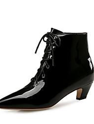 Недорогие -Для женщин Обувь Лакированная кожа Зима Осень Модная обувь Ботинки На низком каблуке Заостренный носок Ботинки для Для праздника Для