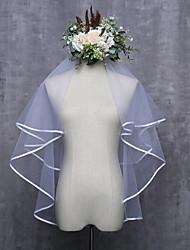 Недорогие -Два слоя С лентой по краю Свадьба Свадебные вуали Фата до локтя С Лента Тюль