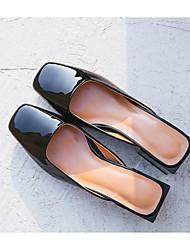 baratos -Mulheres Sapatos Pele Primavera / Outono Conforto Tamancos e Mules Salto Baixo Amêndoa / Castanho Claro / Vinho