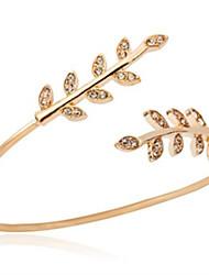 Недорогие -Жен. Браслет разомкнутое кольцо - Искусственный бриллиант В форме листа Мода Браслеты Золотой Назначение Повседневные На выход