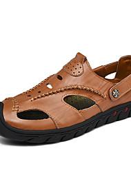 preiswerte -Herrn Schuhe Leder Frühling Herbst Komfort Sandalen für Normal Schwarz Braun Khaki