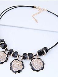 Недорогие -Жен. Заявление ожерелья - Цветы европейский, Милая, Мода Черный Ожерелье Назначение Для вечеринок