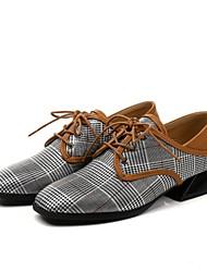 baratos -Mulheres Sapatos Courino Primavera / Outono Inovador / Tira no Tornozelo Oxfords Salto de bloco Ponta quadrada Cinzento Escuro / Cinzento