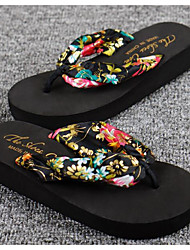 baratos -Mulheres Sapatos EVA Verão Conforto Chinelos e flip-flops Salto Plataforma para Casual Branco Preto