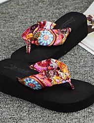 povoljno -Žene Cipele EVA Ljeto Udobne cipele Papuče i japanke Wedge Heel za Kauzalni Crn Bijela Plava