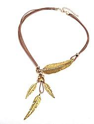 baratos -Mulheres Formato de Folha Pele Colares com Pendentes  -  Simples Fashion Dourado 55cm Colar Para Diário