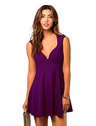 Недорогие -Жен. Большие размеры Классический А-силуэт Платье - Однотонный Глубокий V-образный вырез Мини