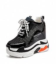 abordables -Femme Chaussures Grille respirante / Polyuréthane Printemps / Automne Confort Basket Marche Creepers Bout rond Blanc / Noir