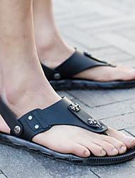 Недорогие -Муж. обувь ПВХ Лето Удобная обувь Тапочки и Шлепанцы Черный / Хаки