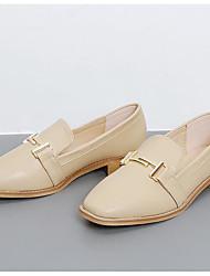 Недорогие -Жен. Обувь Полиуретан Осень Удобная обувь Мокасины и Свитер На низком каблуке Квадратный носок Черный / Миндальный