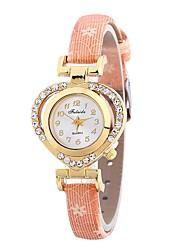 cheap -Women's Bracelet Watch Chinese Casual Watch / Imitation Diamond PU Band Heart shape / Fashion Black / Blue / Red / One Year